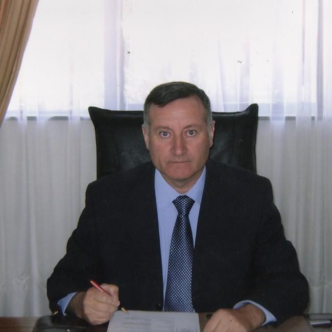 Alcalde Luis Pradenas